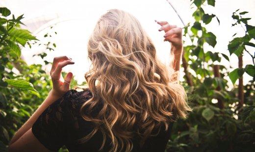 Cosmétiques DIY – Masque cheveux & boule de bain effervescente